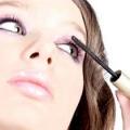 Як правильно фарбувати очі тушшю