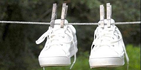 Як правильно попрати взуття в пральній машинці