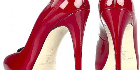 У стародавньому римі тільки повії носили взуття на високих підборах