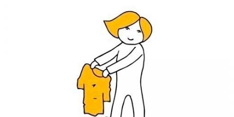 Забудь про праску! Цей лайфхак допоможе тобі погладити одяг і без нього