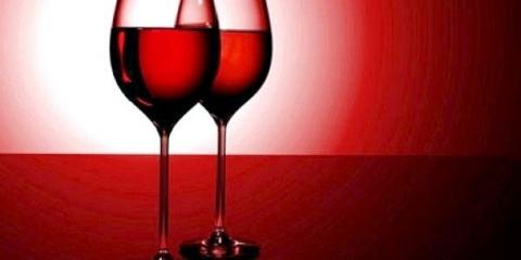 Таких фактів про алкоголь тобі точно не розповідали в школі. Ось чому дорівнює 1 келих червоного вина!